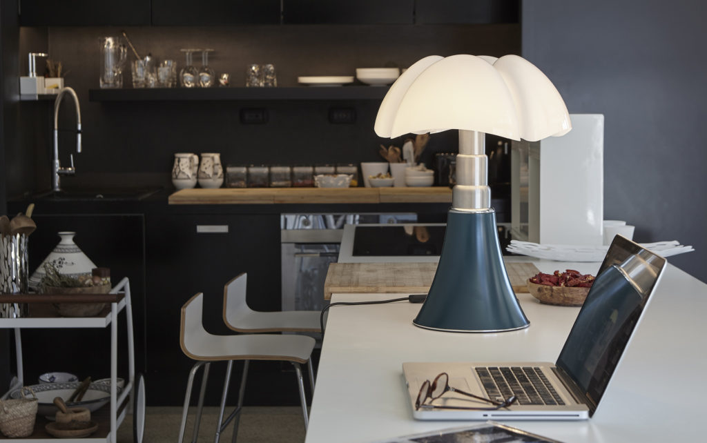 Through the PLUGIN Martinelli Luce you can easily realize the calculation and rendering of your architectural environment spaces.